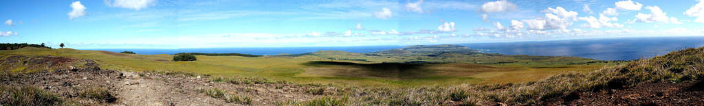 Panorama of the southern tip of the island from the summit of Maunga Terevaka, the highest volcano